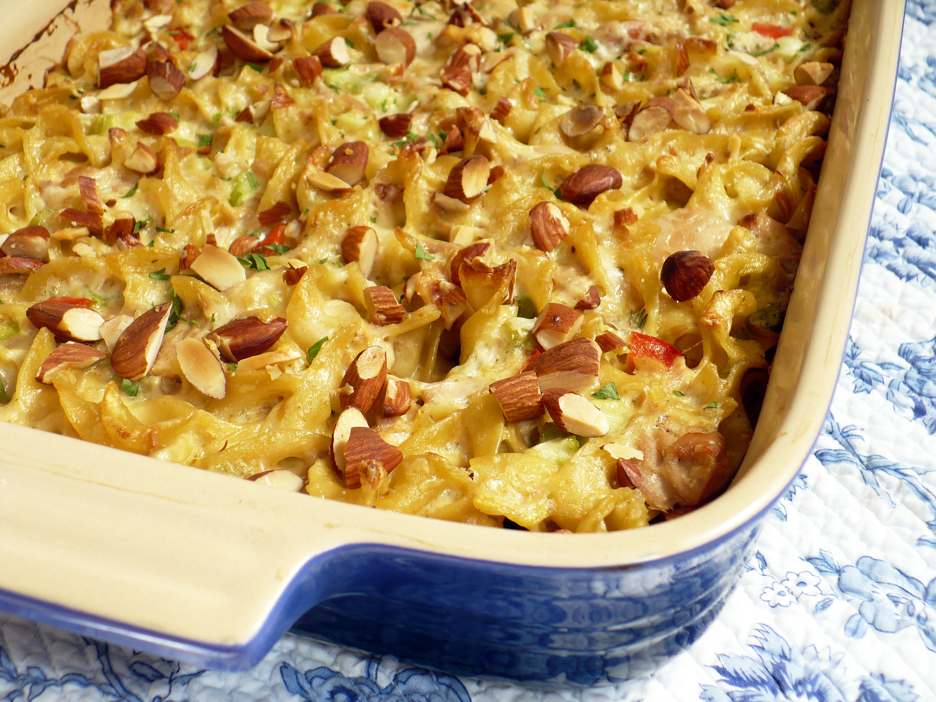 Tuna noodle casserole food people want for Tuna fish casserole recipe
