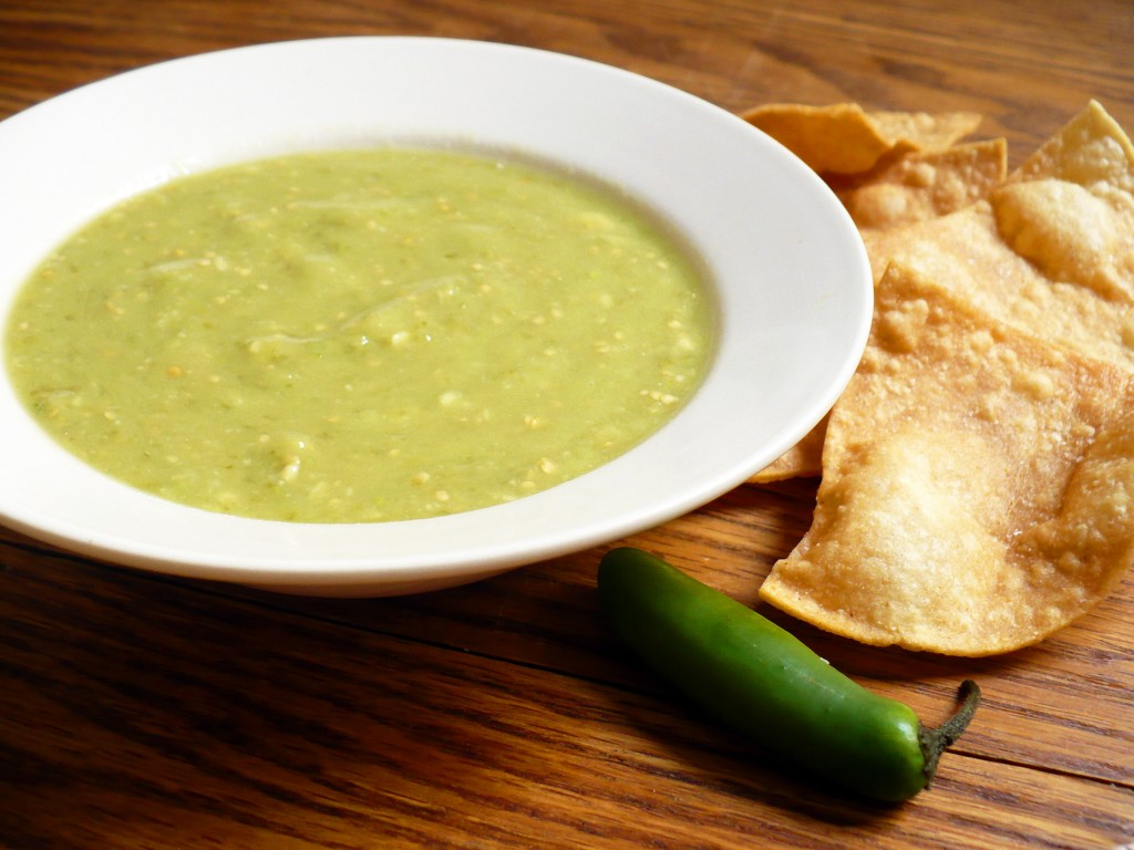 Delicious Avocado And Tomatillo Salsa | Mexican Food Recipes