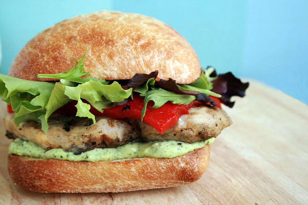 GRILLED CHICKEN SANDWICH WITH PESTO GOAT CHEESE SPREAD | Food.People ...